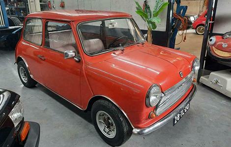 Mini Classic rood uit 1977 28-TL-20