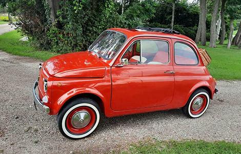 Fiat 500 rood uit 1972 DM-90-27